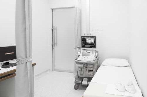 Ultrasound-Machine-in-a-hospital-ward